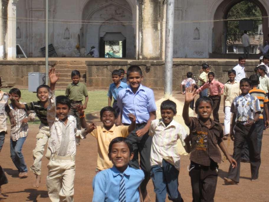 Indien: Rennende Kinder